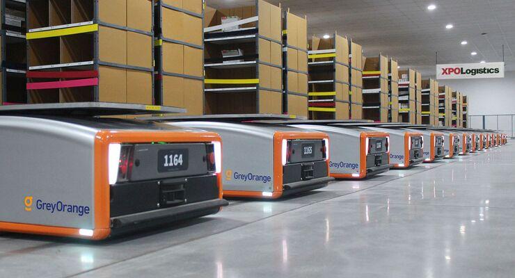 AGVs bei XPO Logistics im Lager