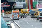 Auf dem Demogelände des Truck- und Funktionsmodelbau Kraichgau (TFM) blitzte die Polizei (links) im Maßstab 1:14.