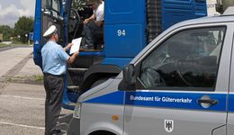 BAG kontrolliert Lkw-Fahrer