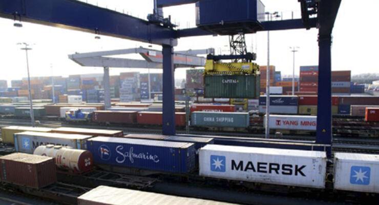 Bayernhafen steigert Umschlag