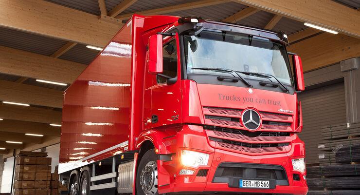 """Bei der Fahrveranstaltung """"Distribute & Collect"""" kann unter anderem der Mercedes-Benz Antos"""