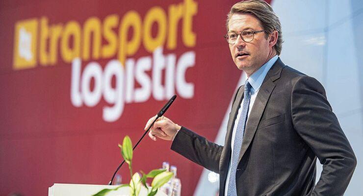 Bundesverkehrsminister Andreas Scheuer auf der Messe Transport Logistic 2019