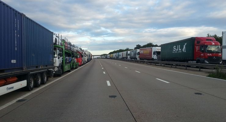 Calais, Dover, Eurotunnel, Operation Stack