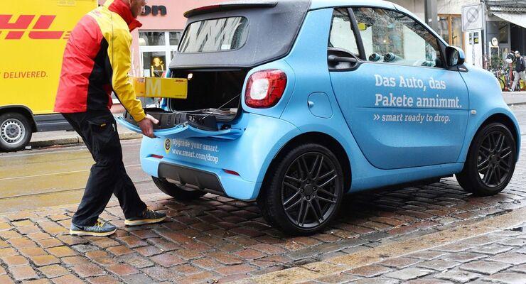 DHL und smart starten mit Kofferraumzustellung in Berlin
