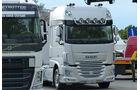 Die neuen Fernverkehrs-Lkw von Volvo und DAF standen zur ausgiebigen Besichtigung bereit.