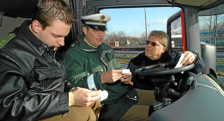 Digitaler Tachograf, Polizei, Kontrolle