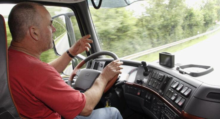 EU-Parlament beschließt 48-Woche für selbstständige Fahrer