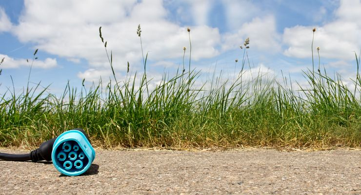 Elektromobilität - Typ 2 Ladestecker für Elektroautos - Panorama - Platz für Ihren Text