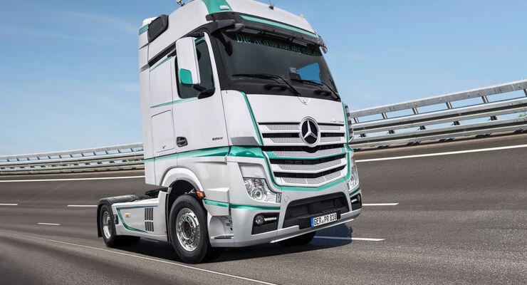 Erster Auftritt beim Truck-Grand-Prix 2017 auf dem Nürburgring: Die Actros Racing Edition lässt Fahrerherzen höher schlagen