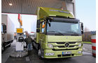 Hybrid- gegen konventionellen Antrieb, Tankstelle,