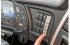 Iveco Stralis AS440S51, drei Drucktasten für die Automatik