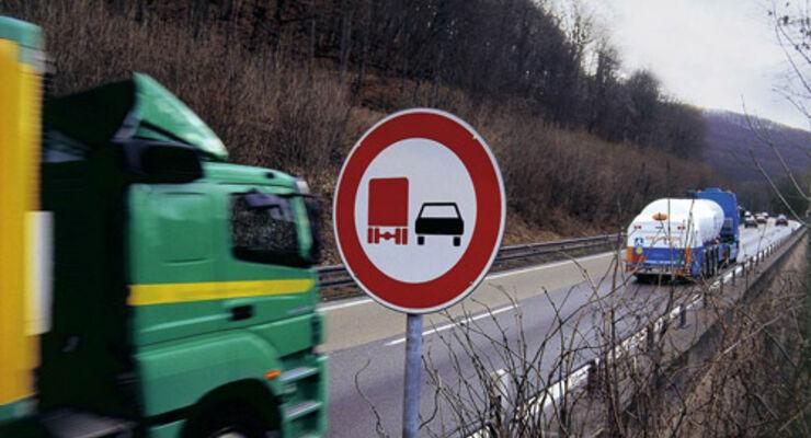 Keine weiteren Lkw-Überholverbote in NRW