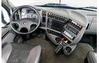 Kenworth T700, Cockpit
