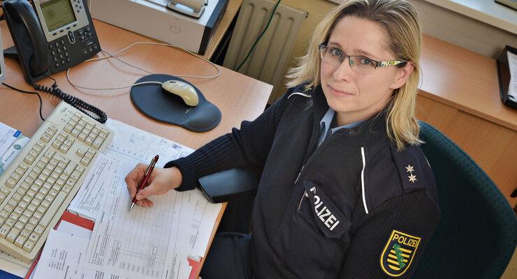 Kristina Dietze von der Polizeidirektion Görlitz/ Autobahnpolizei