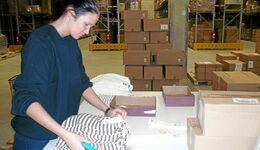 Lager, Lagerarbeiter, Logistik, Textillager, Versand, Dienstleistung