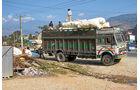 Lkw-Fahren in Nepal, Abladen des Lkw