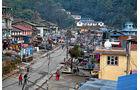 Lkw-Fahren in Nepal, Jiri, Hochland, Sherpas