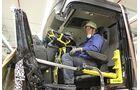 Lkw-Unfall, Lkw-Rettung, Rettungsübung, Schulung für Freiwillige Feuerwehrleute im Daimler-Werk Wörth, Organisator: Nfz-Unfallanalyse um Kai Morschheuser.