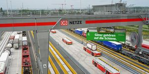 """MegaHub Lehrte >< DB Cargo """"Güter gehören auf die Schiene"""" (Symbolbild)"""
