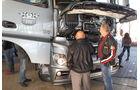 Mercedes Actros, offene Motorhaube, Serviceklappe, Actros Sternfahrt