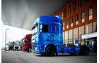 NUFAM-Trucks-vor-dem-Haupteingang-MesseKarlsruhe-JensArbogast