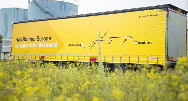 RailRunner Europe, Megatrailer, kranbar