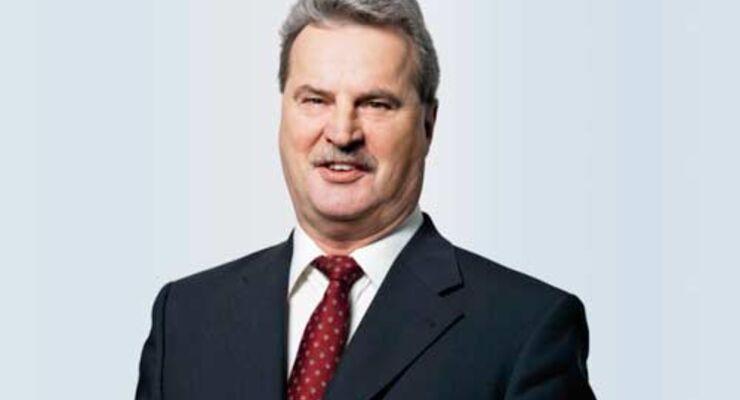 Reinhard Lange tritt seine neue Position Anfang 2009 an