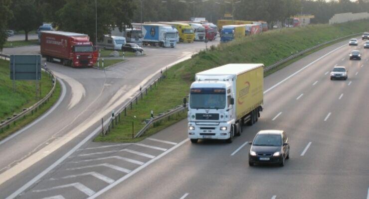 Samstagsfahrverbot für Lkw