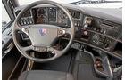 Scania R 440 LA und LB, Cockpit