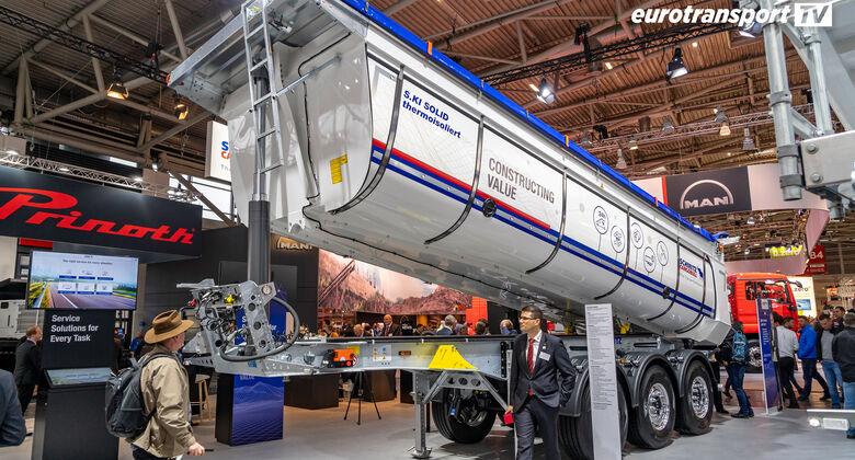 Schmitz Cargobull Muldenkipper auf der bauma 2019