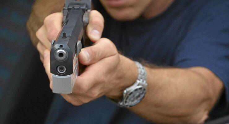 Schütze, Pistole, Täter, Überfall