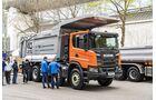 Solche Fahrzeuge wie dieser Scania XT lassen sich als veritable Minenfahrzeuge einsetzen und können zugleich auf der Straße fahren. Sie gelten als preislich attraktive Alternative zu Dumpern.
