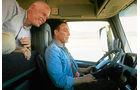 Spagat zwischen zwei Lkw, Van Damme, Probefahrt