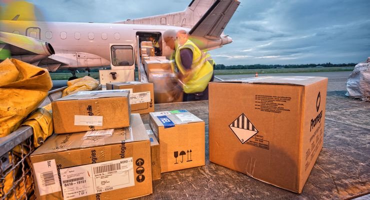 Time Matters, Flughafen, Beladung, Pakete