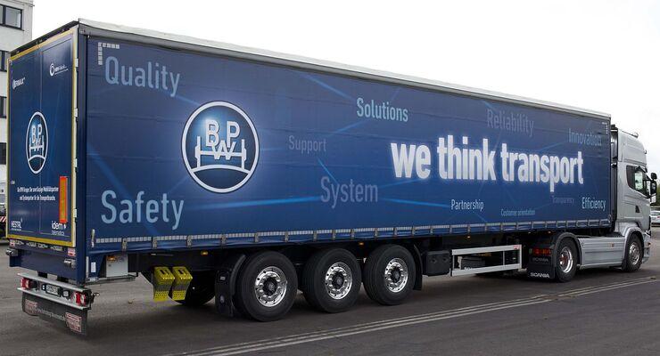 Trailer mit BPW-Slogane: we think transport