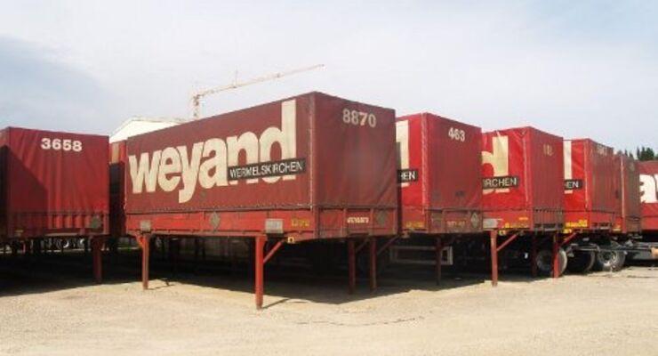 Troostwijk versteigert 150 Lkw-Anhänger
