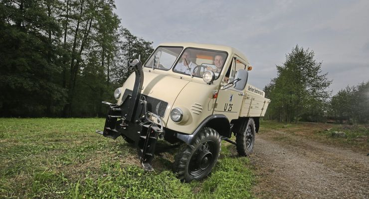 Unimog U 1100 L, Baureihe 416, Baujahr 1979.