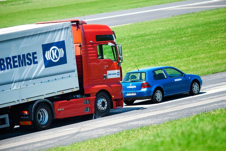 Verordnung zu Fahrerassistenzsystemen, Knorr-Bremse, Notbremsassistent, VW Golf