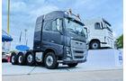 Volvo zeigte den neuen FH 16 mit 750 PS als vierachsige Schwertransport-Zugmaschine.