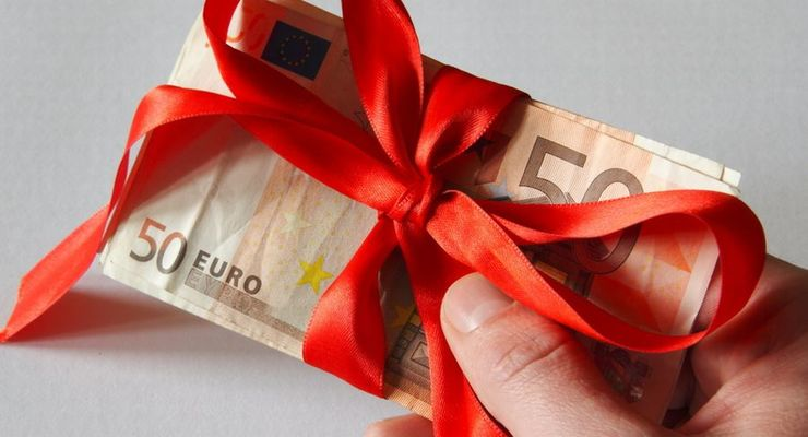 Weihnachtsgeld, Geschenk, Geldbündel, Bestechung