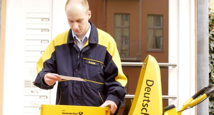 Zusteller Deutsche Post DHL