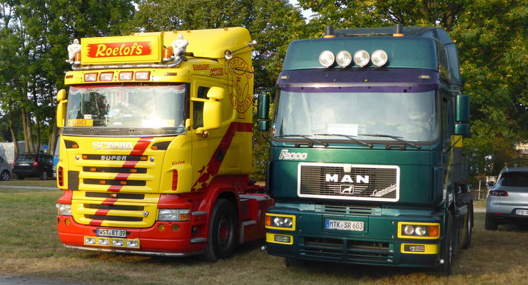 Zwei TRATON-Fahrzeuge auf dem Campingplatz der IAA 2016: rechts mein MAN F2000 19.603, links der aktuelle Scania des vorherigen Besitzers meines MAN.